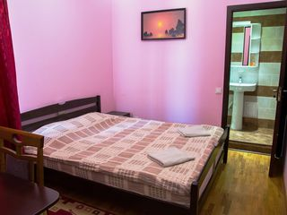 "Camere de hotel in Pensiunea ""Taviada"" la Telecentru (40-ani) 24/24 -https://taviada.com"