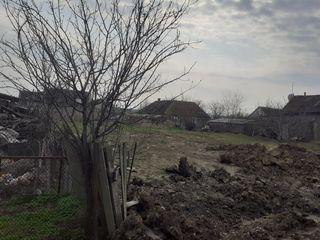 Продам земельный участок в центре Комрата