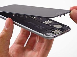 Schimbare display la iPhone