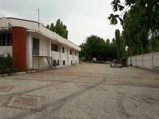 Chirie , spatii pentru producere si depozitare, 1200 m2, Oficii 210 m2, Ciorescu