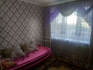 Продам комнату в общежитии, В Дубоссарах по ул. Ломоносова 14а на первом этаже 13м2 Цена 2200$