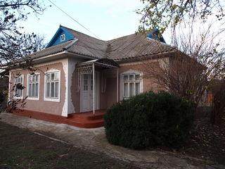 Vind  ori schimb casa , 140 m 35 km de Chisinau