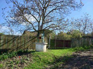 Casa batraneasca cu 12 ari de pamant la 20km de Chisinau