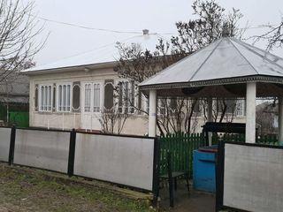 Se vinde casa locuibila in com.Tirnova, pe terin de 15 ari