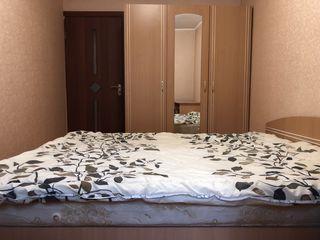 Se dă în chirie apartament cu 2 camere, situat în sectorul centru, direct de la proprietar
