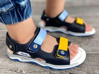 Sandale pentru băieței