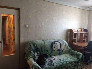 Продаётся двухкомнатная квартира 9/9. Район Кишиневского моста