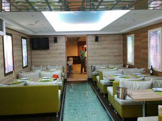 Сдается готовый ресторан в самом центре. идеальное место между 3 университетами. поток людей