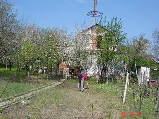 Дача, дом с мансардой, на 2 участка по 6 соток