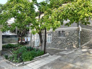 Se vinde casa de locuit individuala în centrul orașului Orhei.