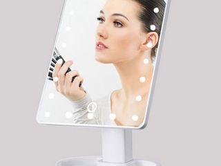Зеркало для макияжа с LED-подсветкой!