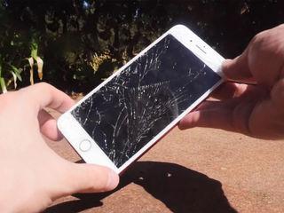 Iphone 8/8+ Треснул экран – на ремонт отдавай нам!