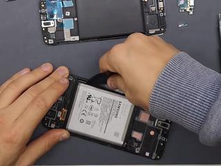 Samsung A20s A207 Bateria nu se încarcă? О vom înlocui fără probleme!