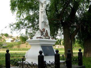 Качественные склепы. cavouri. granit. monumente exclusive.