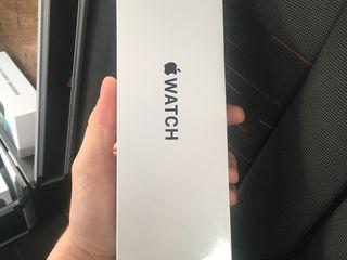 Apple Watch SE Space Gray Aluminum