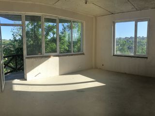 Club home pentru 4 familii - 95 m2 = 3 dormitoare + living - hol. curte individuala pentru fiecare a