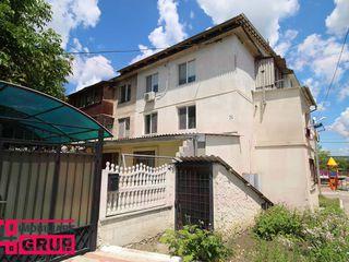 Apartament cu 2 odăi, situat în centrul or. Vatra, pe str. M. Eminescu