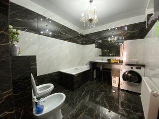 Сдаётся дом  от хозяина 120 кв. м жилая.170 кв. м. на телецентре  1000  evro.месяц.