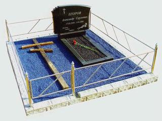 Разноцветный щебень для мемориальных памятников. Piatra colorata, pentru monumente memoriale
