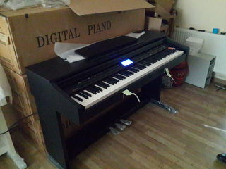 Piane digitale цифровые пианино