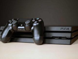 PlayStation 4 Pro + Jocuri + PS plus