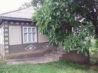Se vinde casă în r-nul Fălești,s.Sarata-Veche,preț negociabil.