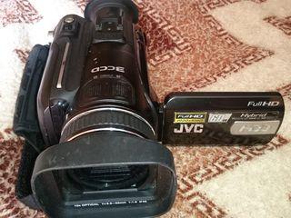 JVC камера- модель- 7 е с ж.д.- 60 GB, Sony - 200 c видео проектором, Экшин камера GOU PRO 4K.