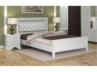În stoc paturi de lemn marimi 160x200 cm, preț de la 1810 lei.