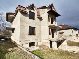 Vand urgent casa in Colonita intr-o zona rezidentiala la cel mai mic pret!