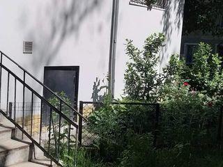 Apartament cu 1 odae+anexa cu 2nivele, shimb sau vînzare