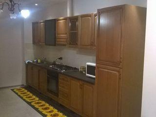 se vinde apartament in casa noua cu 2 odai + salon situat in Chisinau sect Botanica casa noua