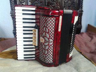 Немецко итальянский аккордеон Firotti 80 bass
