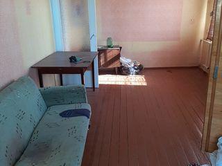 Срочно!!! продается 2-х комнатная квартира без ремонта