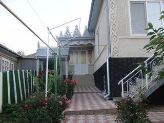 Se vinde o casa in Telenesti. 6 camere