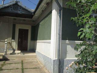 Casa buna  la Calarasi, 6 ari, reparatie, mobila, tehnica, garaj, canalizare orasaneasca, gradina!
