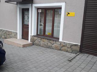 Офис в центре г.Кишинева по ул.Мария Чеботарь! Первая линия! 56m2! Openspace!