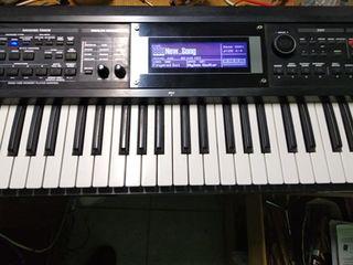 Синтезатор Roland GW-8 в хорошем состоянии