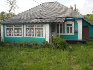 Продается срочно дом или меняем на 1 комнатную квартиру в Кишиневе!
