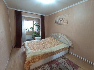 Продаю 3-х комнатную квартиру, 10 квартал, автономное отопление