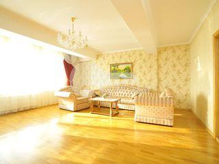 Apartament cu 3 camere, bloc nou spre chirie, str. București, Centru, 580 € !