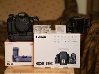 Vind canon 550D/Продам Canon 550D +grip+3 baterii
