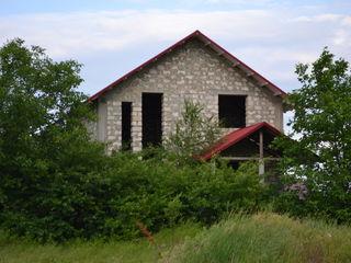Продам недостроеный дом с участком Срочно!