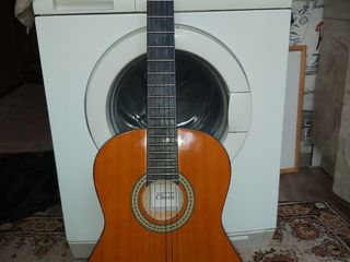 Классическая Гитара Classic Германия состояние как новая струны новые la Bella 1000 лей Классическая