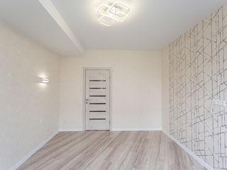 Apartament de mijloc cu euroreparație! casă mică-o singură scară!