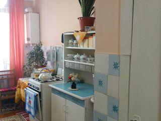 Продается 3-х комнатная квартира в районе Спирина г. Кагул