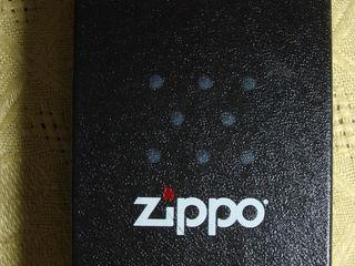 Bricheta ZIPPO, originala 100%, produs in USA, NOU in cutie. Pret: 500 lei