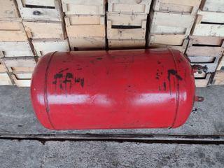 Vând două butelii de gaz (200 litri)