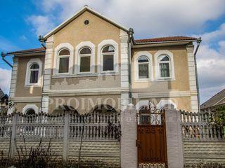 Apartament în chirie - Centru capitalei - 1000 euro