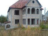 Casa foarte mare 12 sote