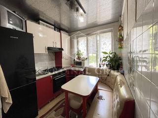 Vânzare apartament 2 camere, 49 mp, garaj, or. Vadu lui Vodă, pe malul râului Nistru!